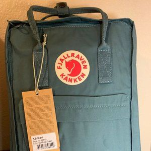 Fjallraven Kanken Classic Backpack Frost Green